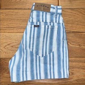 Vintage high waisted striped denim shorts. Size 5
